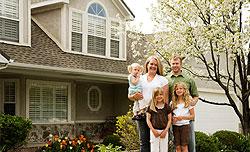 familywithhouse